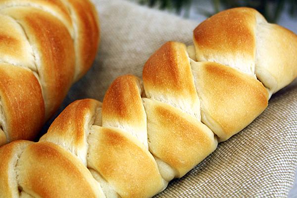 2月レッスンのご案内「編みこみウインナーパン」